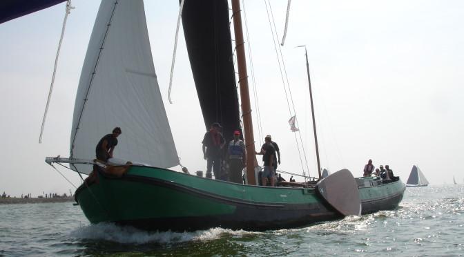 Op het Ijsselmeer voor Workum, Hindelopen en Stavoren worden verschillende wedstrijden verzeild